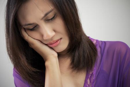 dolor de muelas: Tener un dolor de muelas