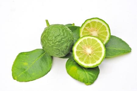 sanguijuela: Tres sanguijuela frutas lim�n aislado en blanco