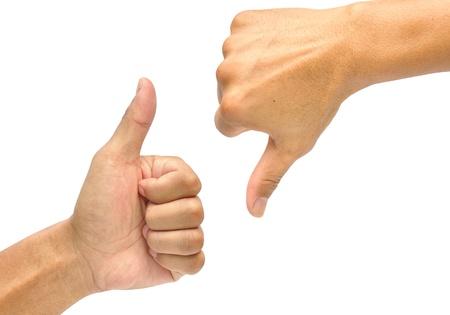 pulgar abajo: Pulgar hacia arriba y el pulgar hacia abajo se�ales con las manos aisladas en blanco