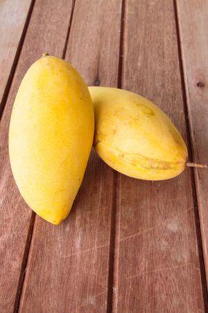 mango fruta: Mangos