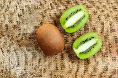 cantle: kiwi fruit slice