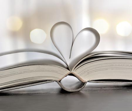Heart-shaped book 스톡 콘텐츠