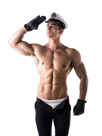 adult male: Muscoloso marinaio maschio a torso nudo con cappello nautico, isolato su bianco Archivio Fotografico