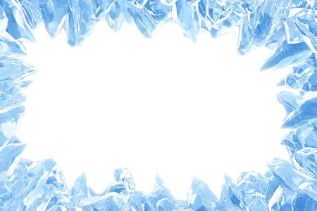 3D-Rendering, gebrochene blaue Kristalleiswand mit Loch und Platz für Ihren Text isoliert auf weißem Hintergrund. Mit Beschneidungspfad. Standard-Bild