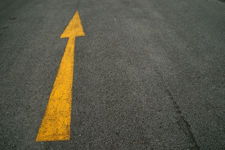 road surface: Arrows, the road