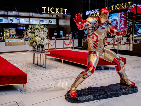 Bangkok, Thailand - May 7, 2019: Iron Man model show in Avengers Endgame exhibition booth at iconsiam, Iron Man is a fictional superhero in American comic books published by Marvel Comics. Фото со стока - 124496924