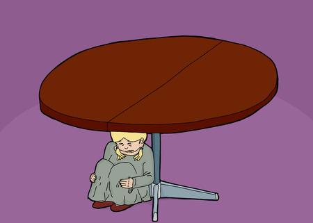 Schreiendes Kind unter einem runden Tisch sitzen Standard-Bild - 42497021