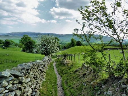 Yorkshire Dales: Down we go