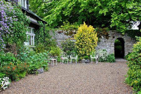 british isles: courtyard Stock Photo