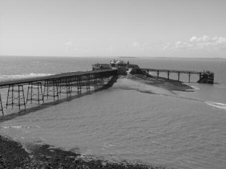birnbeck: Old Pier in bianco e nero, Weston-Super-Mare, Somerset