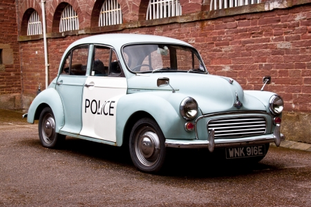 morris: old style english police car