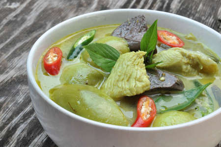 green curry chicken thai food Stock Photo - 12359387