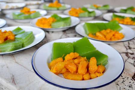 Thai desserts for the monks