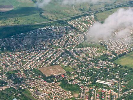 Stadt-Vogelperspektive von Portmore, St. Catherine. Eine Luftaufnahme von Portmore, St. Catherine, Jamaika? Standard-Bild