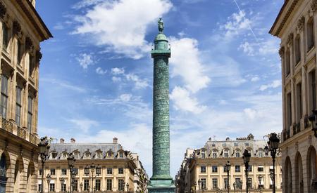 パリのヴァンドーム広場のビュー
