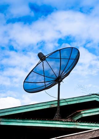 counterweight: Satellite dish on the roof. Sometimes it is not too high