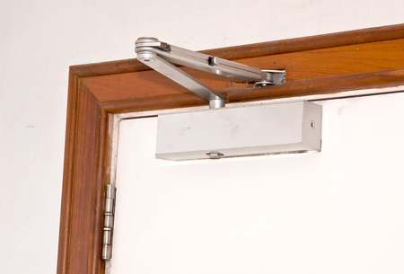 The device for automatic closing a door