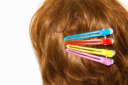 barrettes: Clip su capelli delle donne attaccando la parte posteriore della testa Archivio Fotografico
