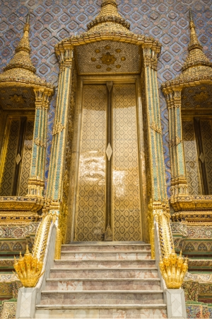 Door  pagodas of Wat phra keaw photo