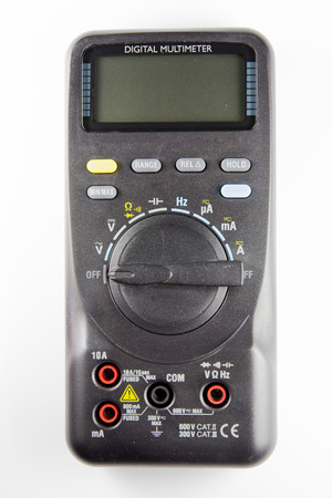 determining: mult�metro digital para determinar la corriente el�ctrica y el circuito de prueba.