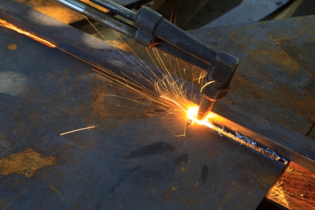 metal cutting with acetylene torch, industrial background 스톡 콘텐츠