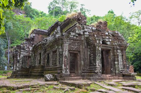 Vat Phou (Wat Phu) temple The ruined Khmer temple complex  is the  in southern Laos. Reklamní fotografie