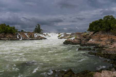 Khone Pha Pheng waterfall, is famous waterfall in Southern of Laos. Reklamní fotografie