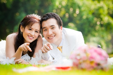 asian bride: asian couple in wedding dress