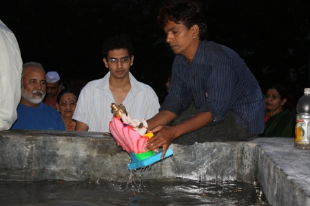 hindus: People traditionally bid farewell to Lord Ganesha  The Elephant God  after the end of the Ganesha festival in India