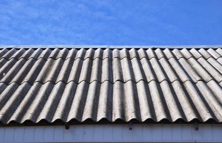 アスベストの屋根