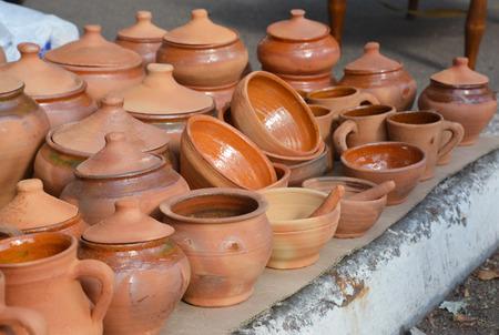 Showcase of handmade ceramic pottery. Banco de Imagens