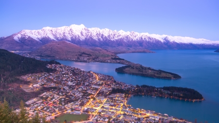 south island new zealand: Popular spectacular view of Queenstown in New Zealand
