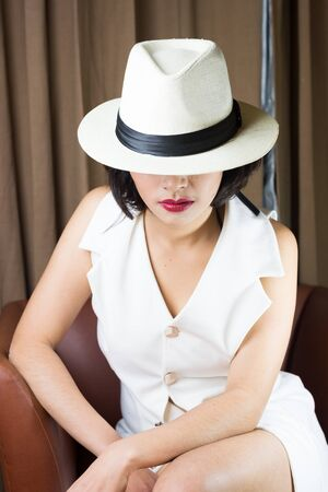 sensual girl: Portrait of beautiful young woman with white hat