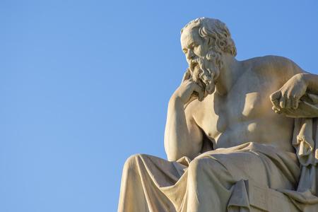 Greek philosopher Socrates in front of the National Academy of Athens 免版税图像