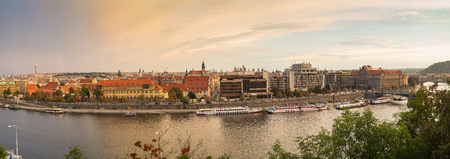 Scenic view on vltava river and historical center of prague buildings and landmarks of old town 版權商用圖片