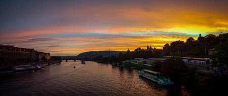 Prague castle and vltava river at sunset czech republic 版權商用圖片