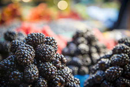 Fresh Ripe Blackberries shot in local market 版權商用圖片