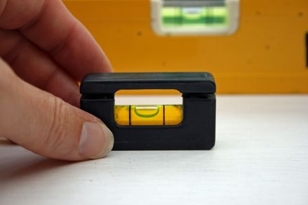 A small spirit level.
