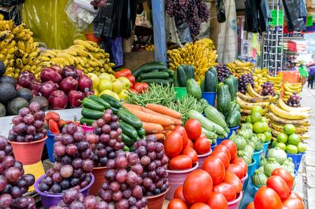 Fresh Vegetable Market in San Cristobal, Chiapas, Mexico 免版税图像