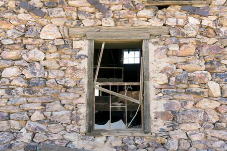 Abandoned Gold Mine - building in decay near Wickenburg, Arizona Stock fotó