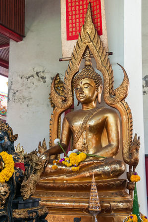 chaplain: Buddha statue, gold statue in temple
