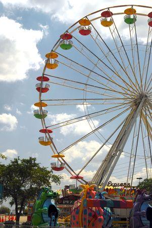 ferriswheel: Scatto di un ruota Ferris. Festival di Sandford, Florida.