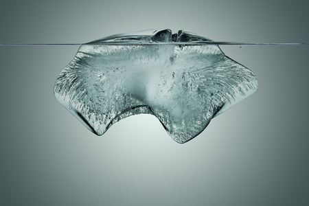block of ice with underwater view with clipping path 版權商用圖片
