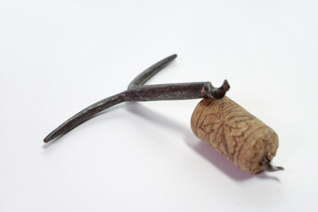 accidental: plain old non-mechanical corkscrew, was broken when screwing in the cork