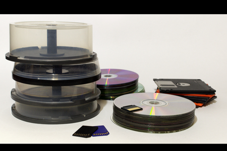 data storages of all nowadays : floppy disk, compact disc, flash memory cards differs formats
