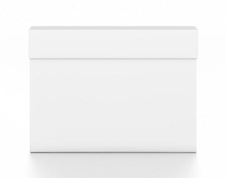 Weißer dünner leerer Kasten des horizontalen Rechtecks ??mit Abdeckung vom Spitzenfrontwinkel. Illustration 3D lokalisiert auf weißem Hintergrund. Standard-Bild - 62288973