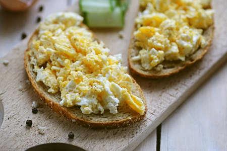 Scrambled egg on bread