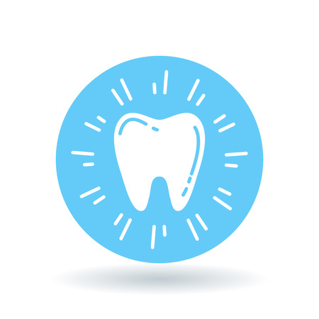 tooth fairy: Healthy glowing tooth icon. Sparkling clean tooth sign. Cavitiy free white teeth symbol. White healthy tooth icon on blue circle background. illustration. Illustration