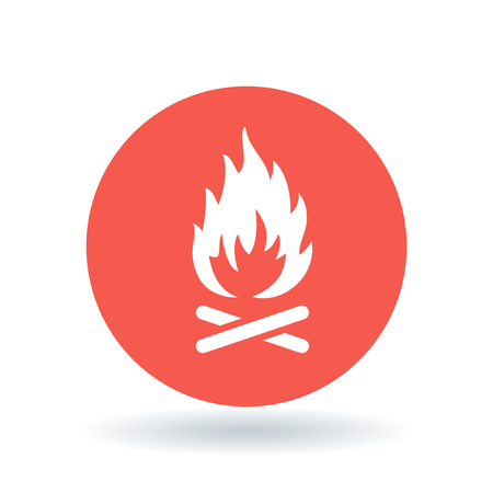 outdoor fire: Wood fire icon. Outdoor bonfire symbol. Camp fire sign. White outdoor wood fire icon on red circle background. Vector illustration.