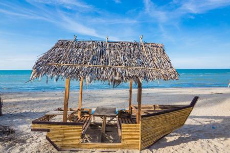 morelos: Cabin palapa hut sea beach, summer day blue sky